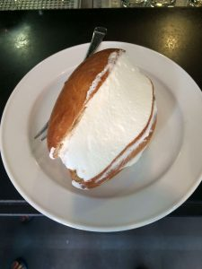 maritozzo with whipped cream